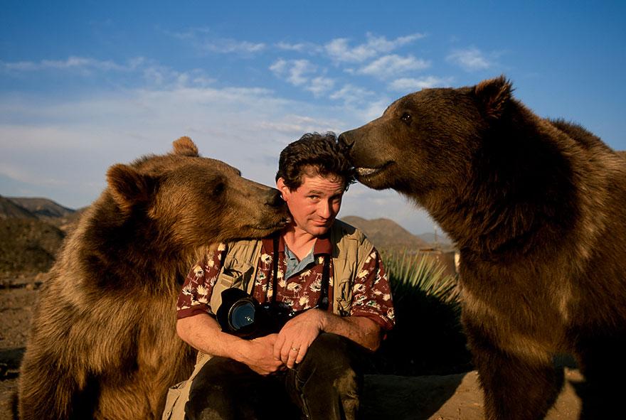 nature photographers bear