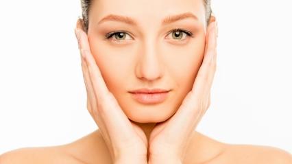 woman sensitive skin face stock today 160302 tease 01 7118cf0d71fc1654a5058d45533a2337